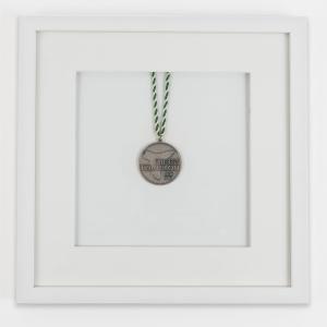 Lijst voor medailles 30x30 cm, wit