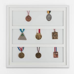 Lijst voor medailles 50x50 cm, wit