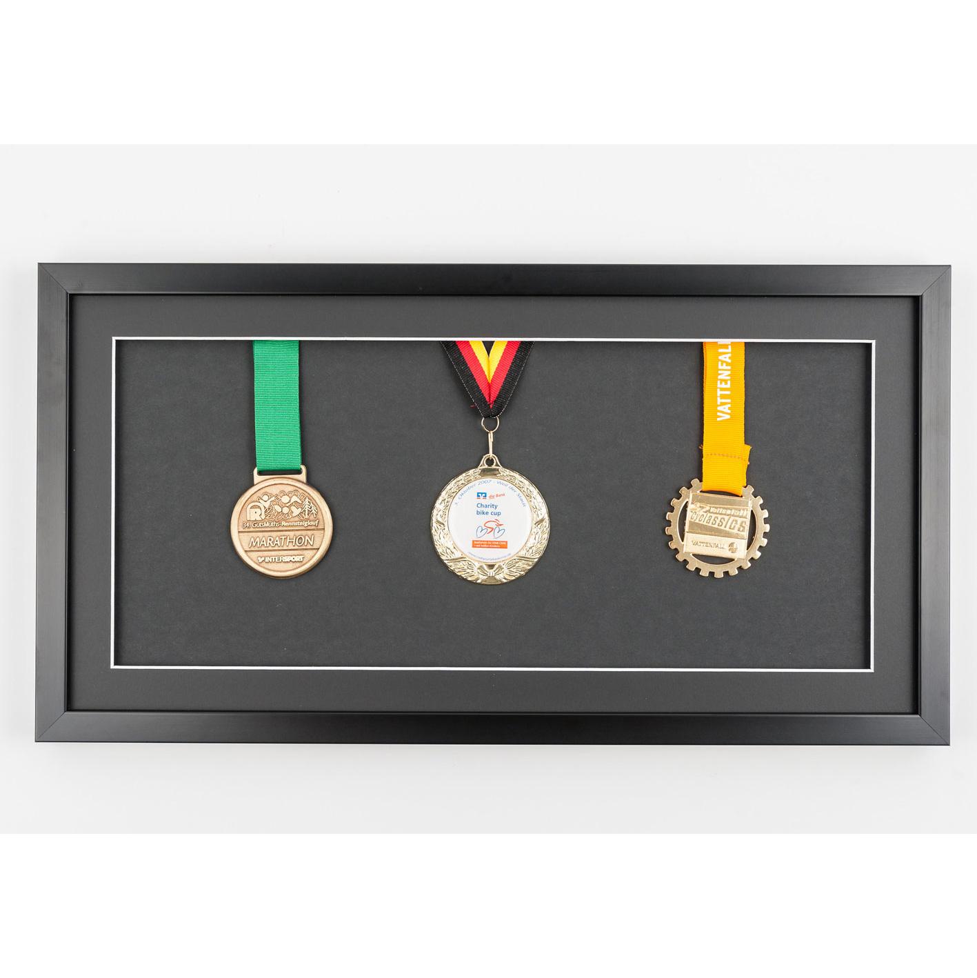 Lijst voor medailles 25x50 cm, zwaart