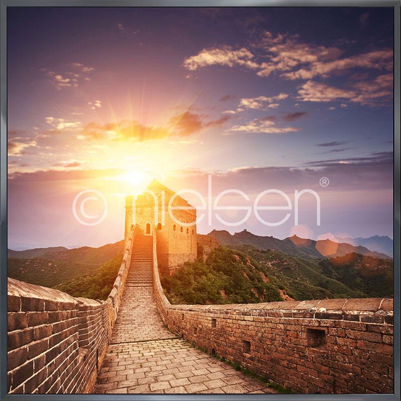 """Beeld met lijst """"Chinese Wall"""" met lijst van aluminium Alpha"""