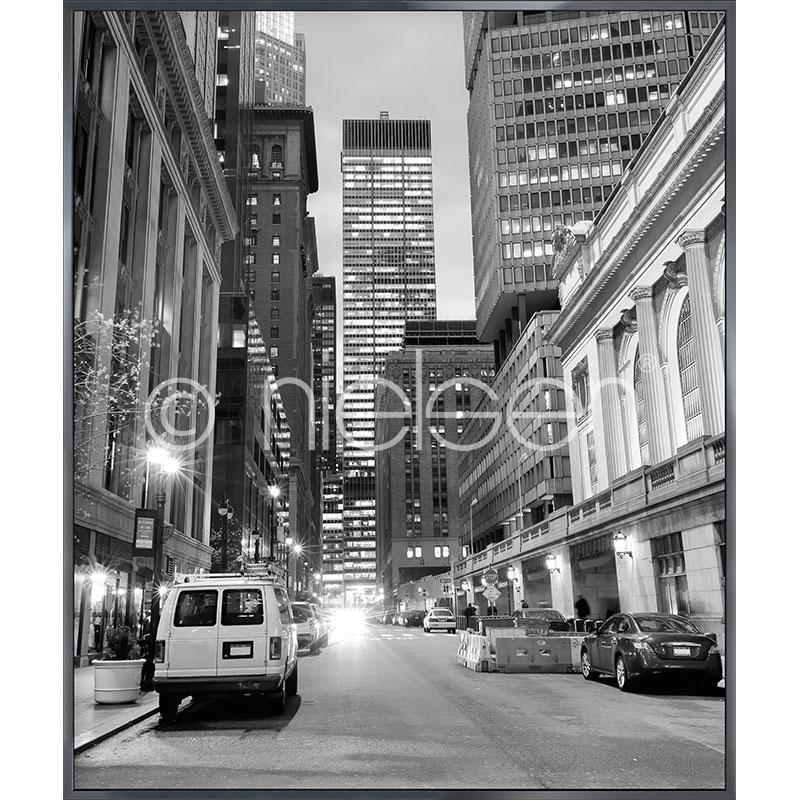 """Beeld met lijst """"New York Downtown"""" met lijst van aluminium Alpha"""